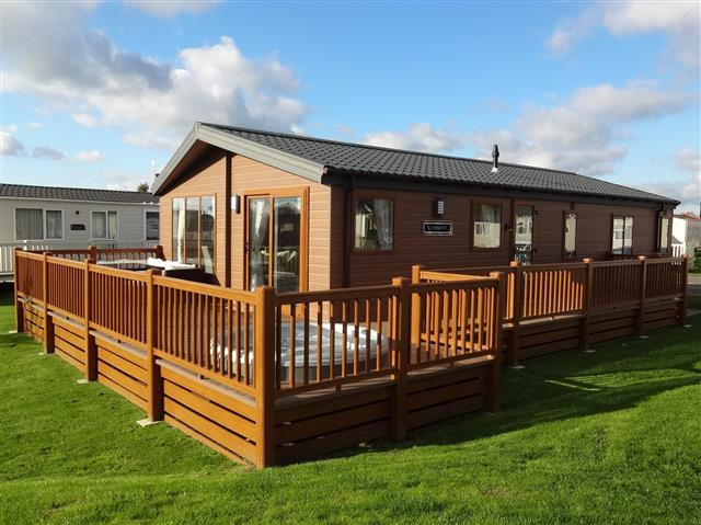 CJ's Holiday Homes, Tattershall Lakes Country Park