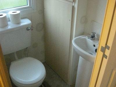 Pop21_Bathroom