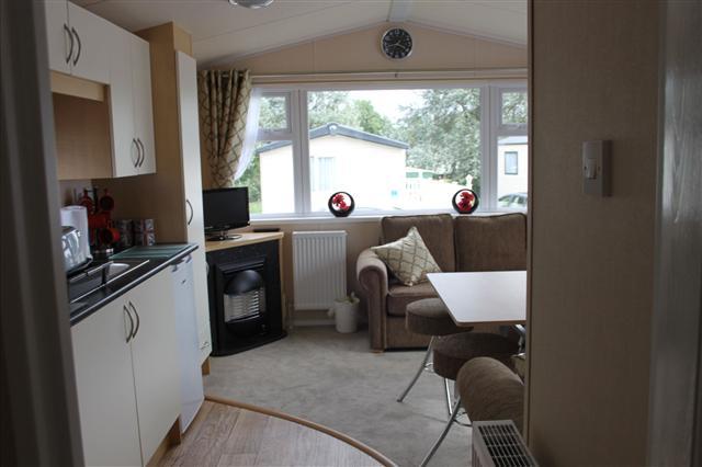 kitchen lounge 37p